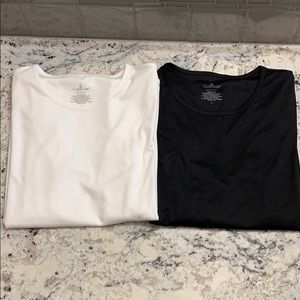Bundle of two Cuddl Duds Climatesmart LS Tees Sz L